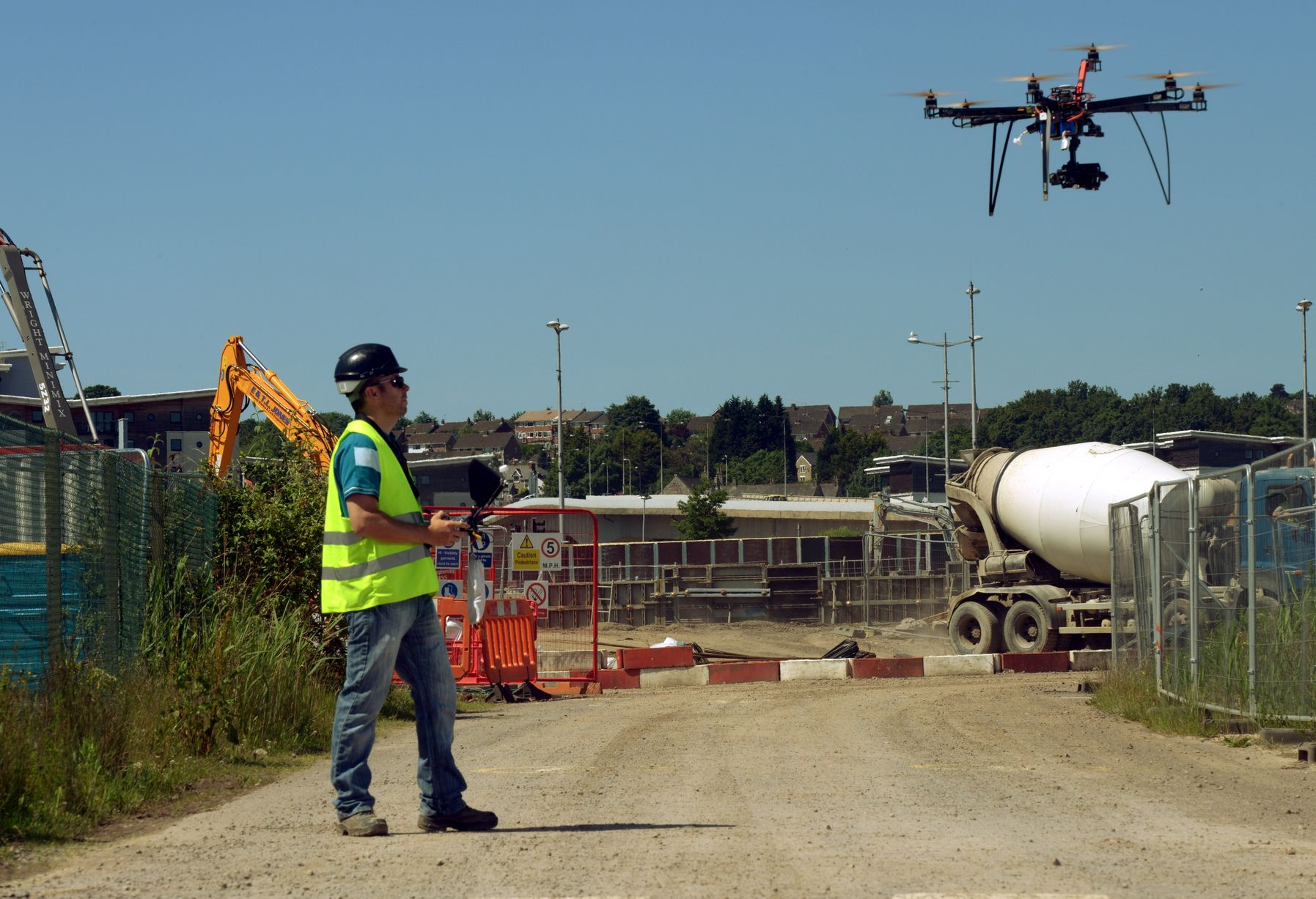 Drones and construction sites ecamsecure for Site in construction